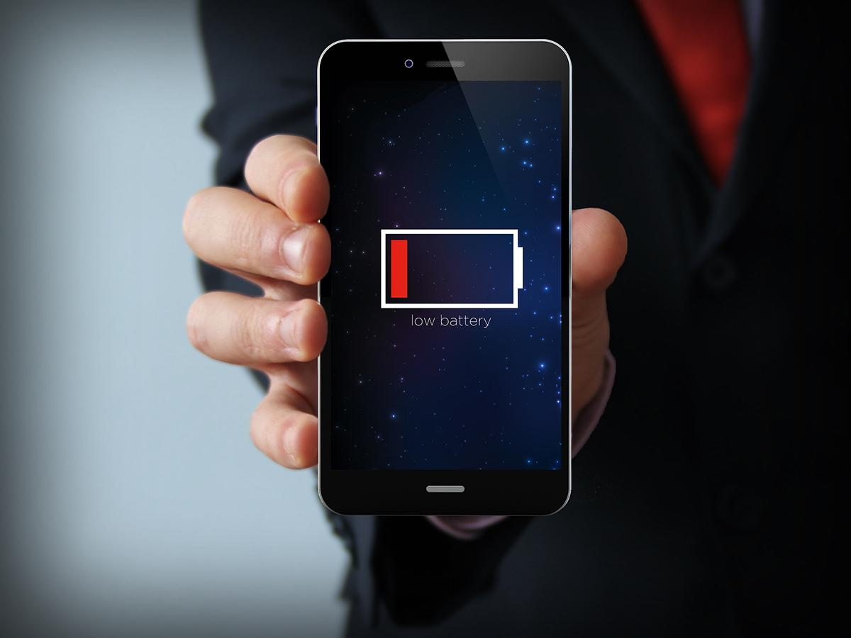 the-best-smartphone-has-the-biggest-battery-the-people-agree